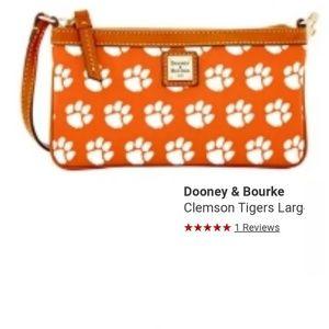 🏷Dooney and Bourke Clemson Tigers Wristlet